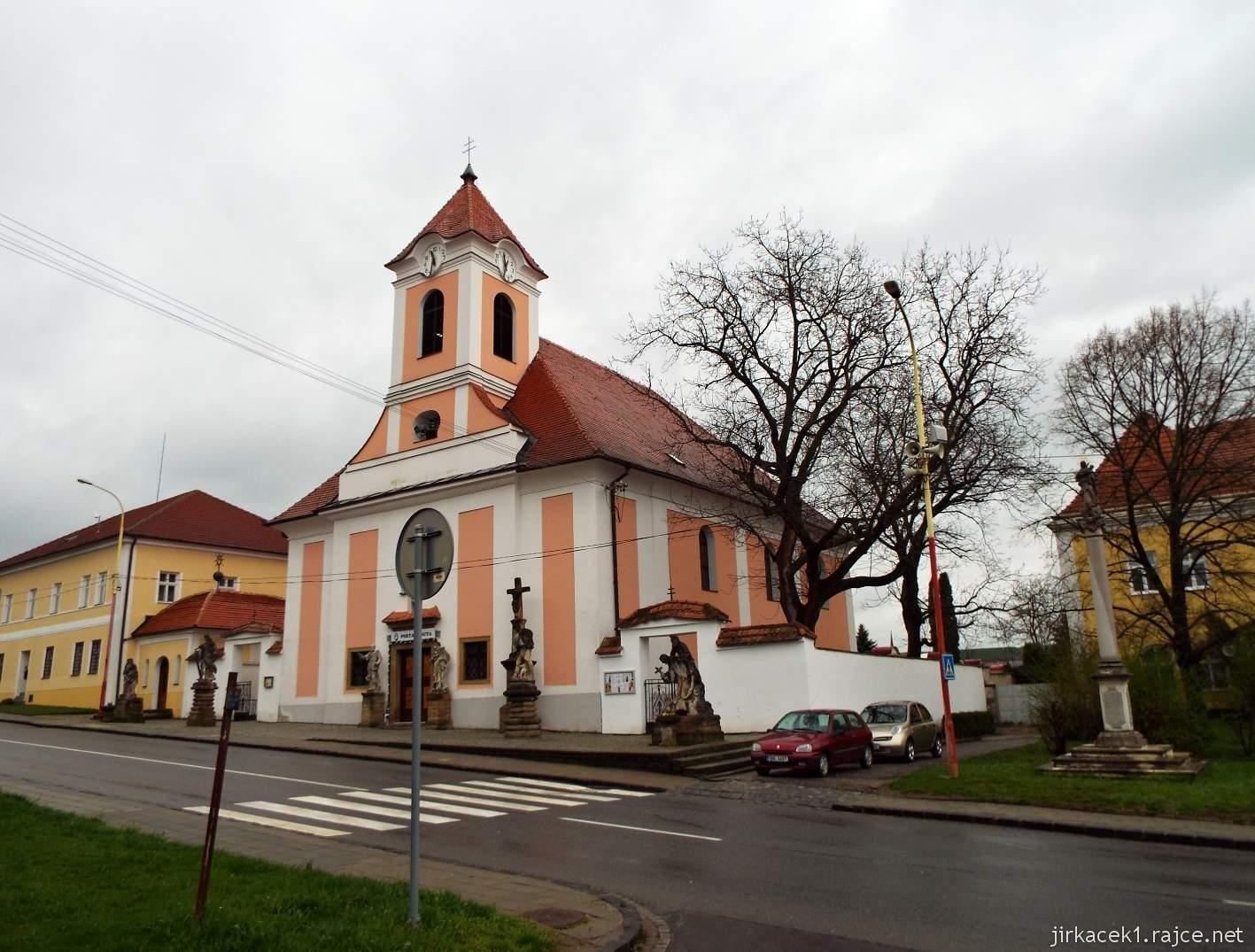 Žarošice - Kostel sv. Anny - celkový pohled