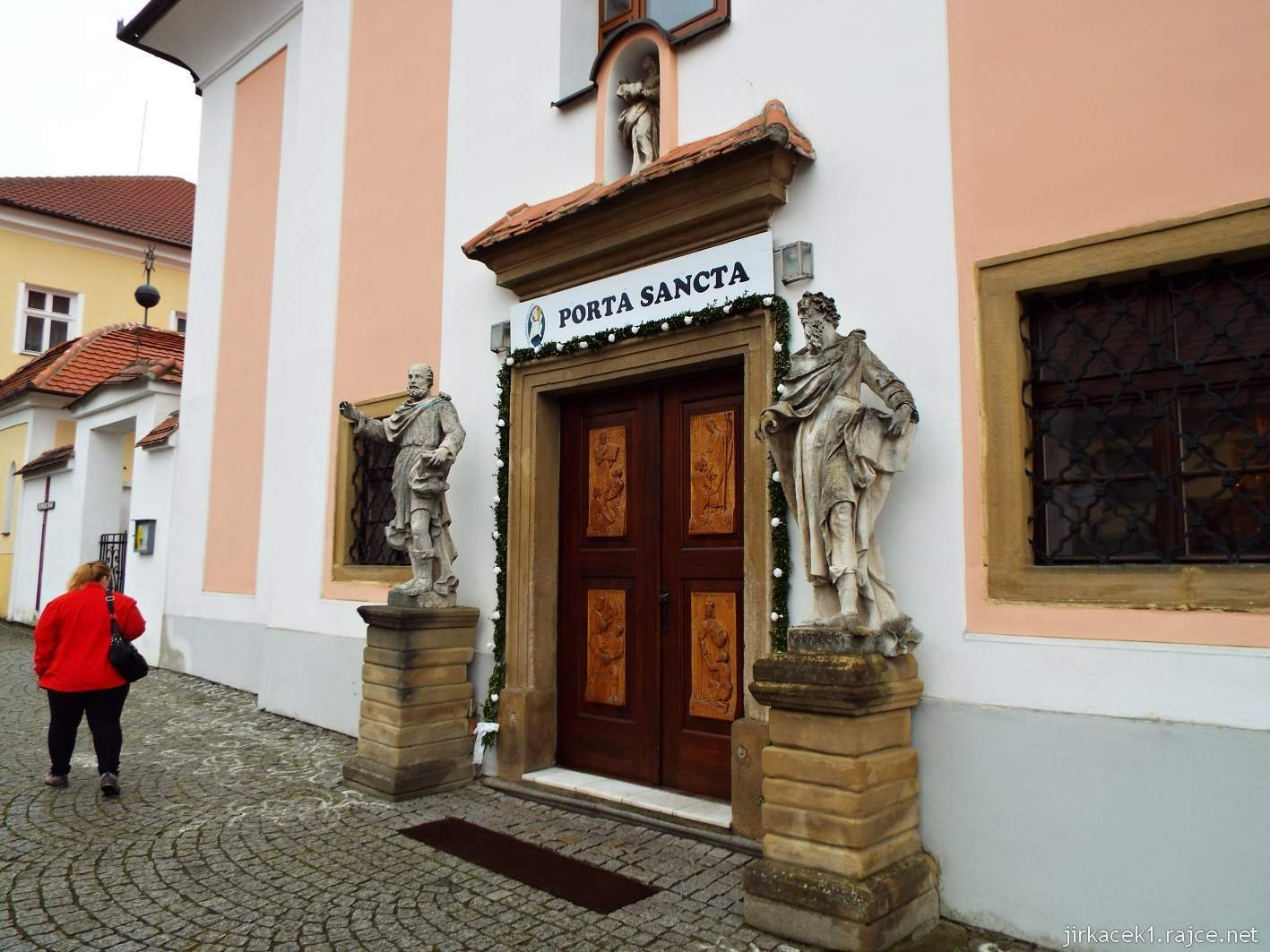 Žarošice - Kostel sv. Anny - vchod do kostela