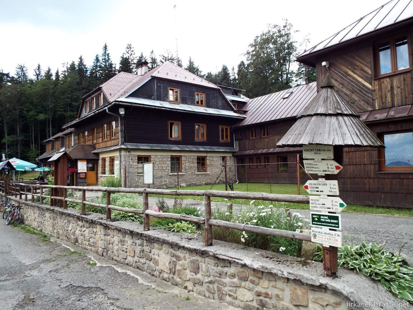 Vsacký Cáb - pohled na horskou chatu