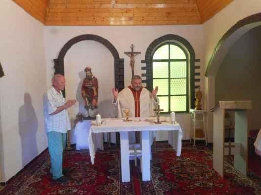 Mše svatá v kostele sv. Mikuláše a 26 roku od posvěcení kostela panem biskupem Josefem Kouklem.