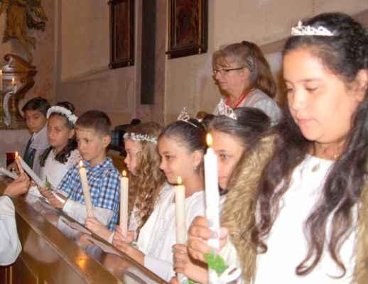 62 První svaté přijímání dětí v Jirkově - sedm prvokomunikantů.