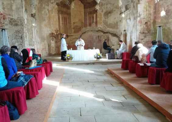Mši svatou ke cti svatého Michaela archanděla slouží M. Dvouletý, káže A.Heger. Na harmonium hraje T.Mareček.
