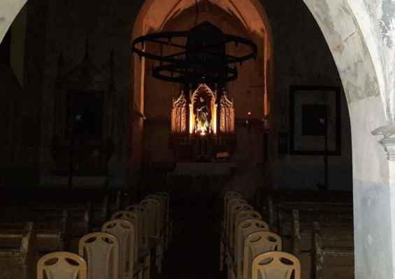 27 .. před koncertem v kostele svaté Barbory v Otvicích (2.4.2019)