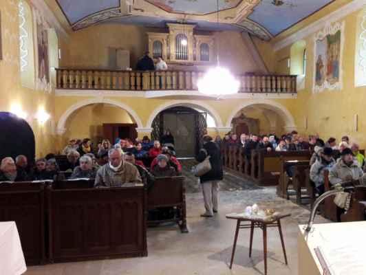 37 v květnovském kostele bylo dobře...