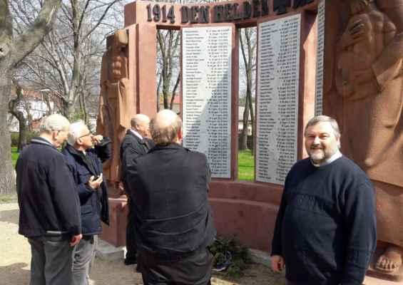 30 setkání s německými rodáky u obnoveného památníku z 1. světové války