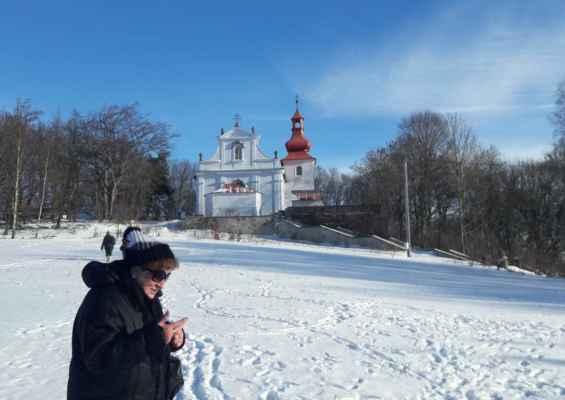 03 pravidelná zimní návštěva květnovského kostela v lednu v při mši v 14 hodin.