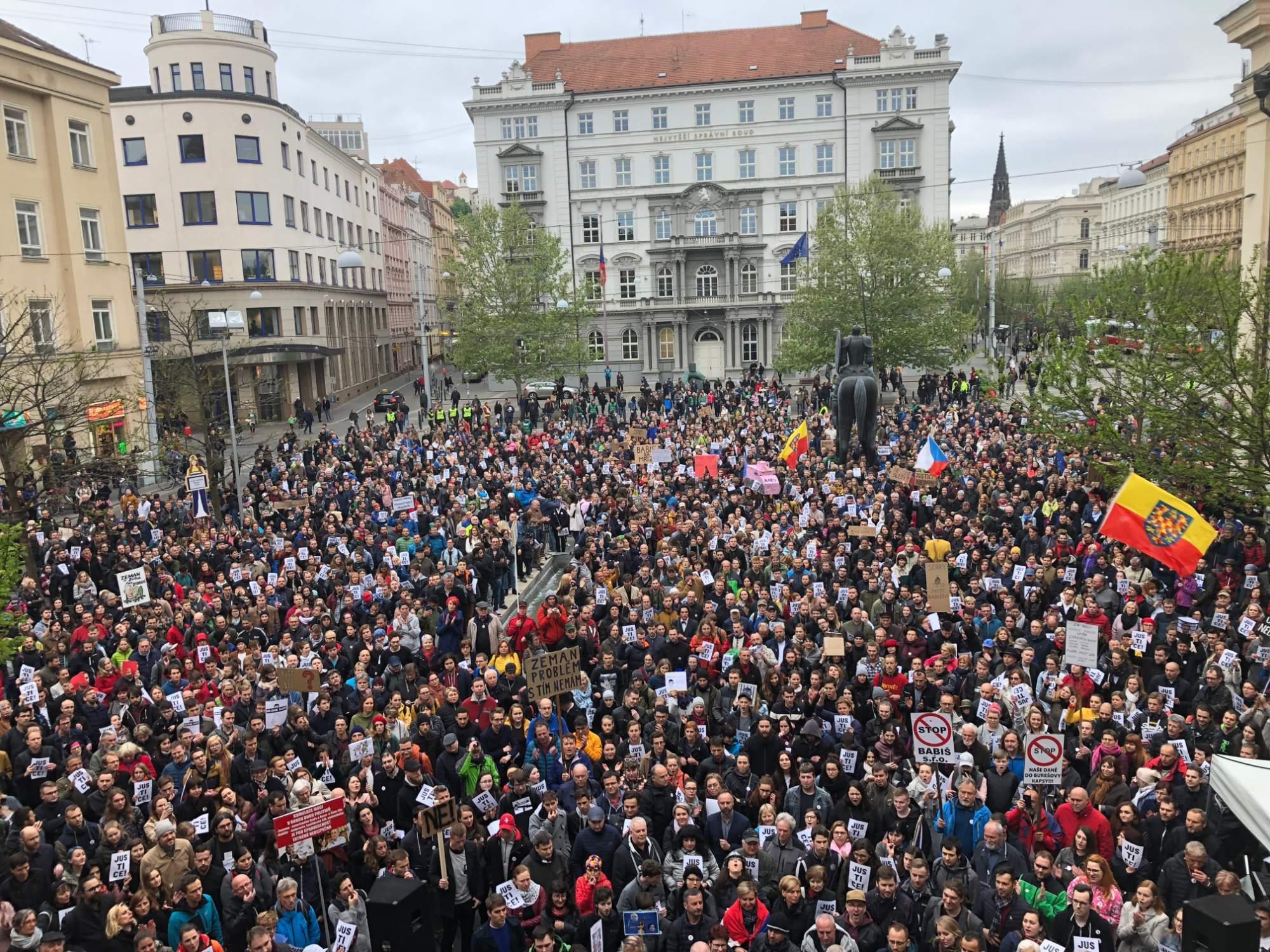 Demonstrace za nezávislou justici v Brně. Foto: Denisa Mazourková