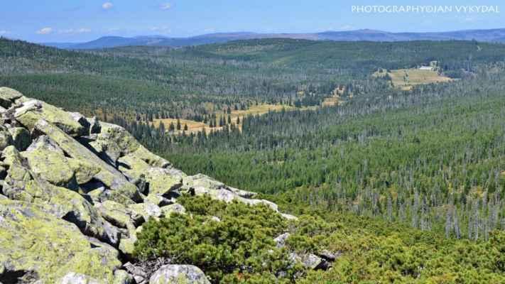 Pohled z Luzného do Luzenského údolí