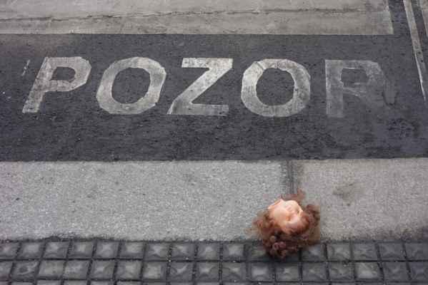 Někdo ztratil hlavu... a oči...