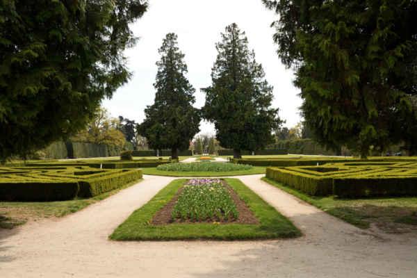 Závěrečné foto opět ve francouzské zahradě zámku.