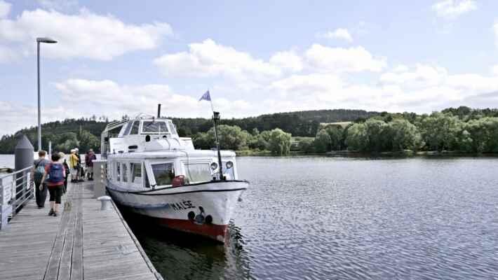 Plavba lodí po Vltavě do Hluboké