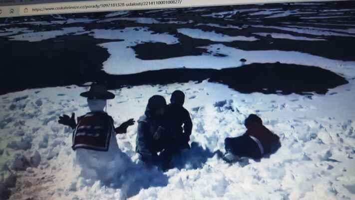 27.8.2021 na poušti Atacama napadl sníh..... - https://mapy.cz/s/malukenena
