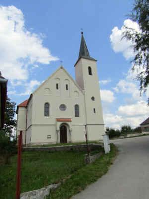 kostel sv.Alžběty v Blažejově - První zmínka o původním raně gotickém kostelu pochází z roku 1359. Portál v přízemí věže je datován dokonce kolem roku 1300. Dnešní podoba pochází zejména z novorománských úprav v letech 1863-64.