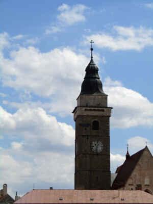 věž farního kostela Nanebevzetí Panny Marie - Na věž z 1. poloviny 16. století vystoupáte po 176 schodech. Po požáru v roce 1750 dostala věž novou barokní střechu. Můžete si zde zakoupit pohledy, mapy, suvenýry atd.