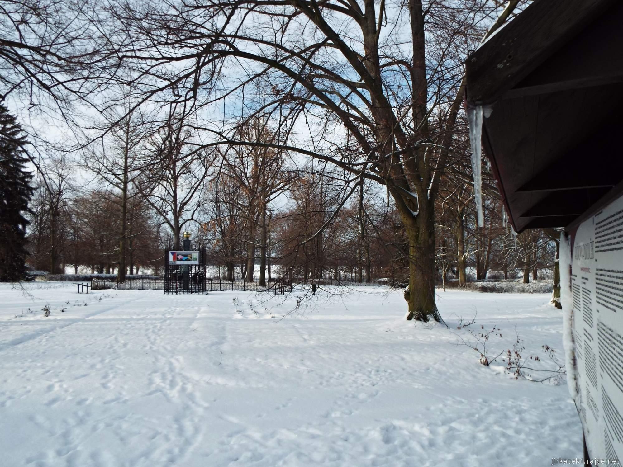 Růžový palouček - památník v zimě