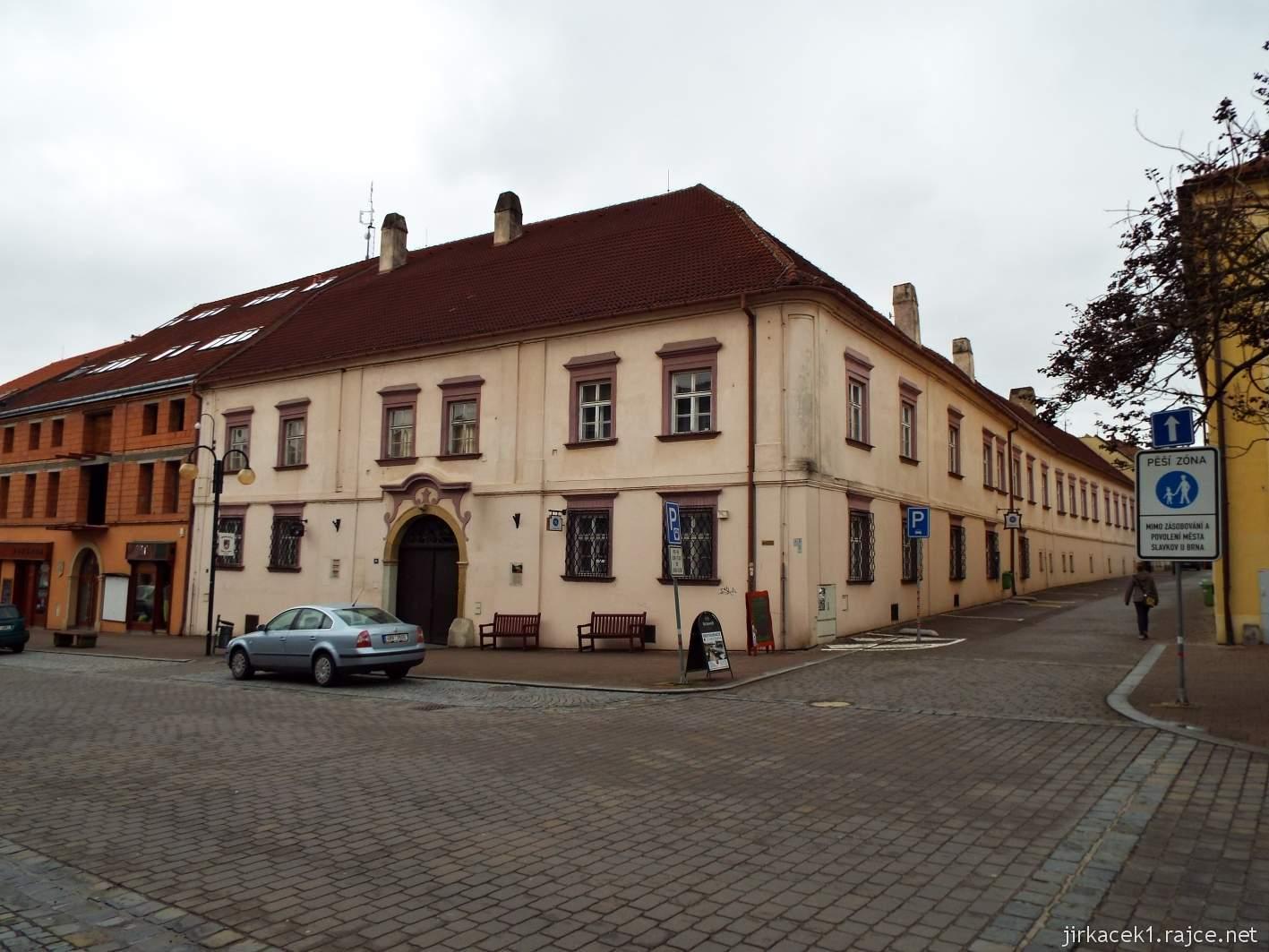 Slavkov u Brna - Palackého náměstí - Panský dům v němž býval původní pivovar