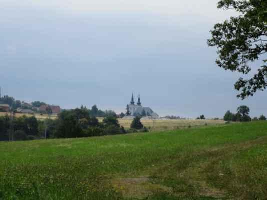 Poutní kostel ve Vranově jako na dlani