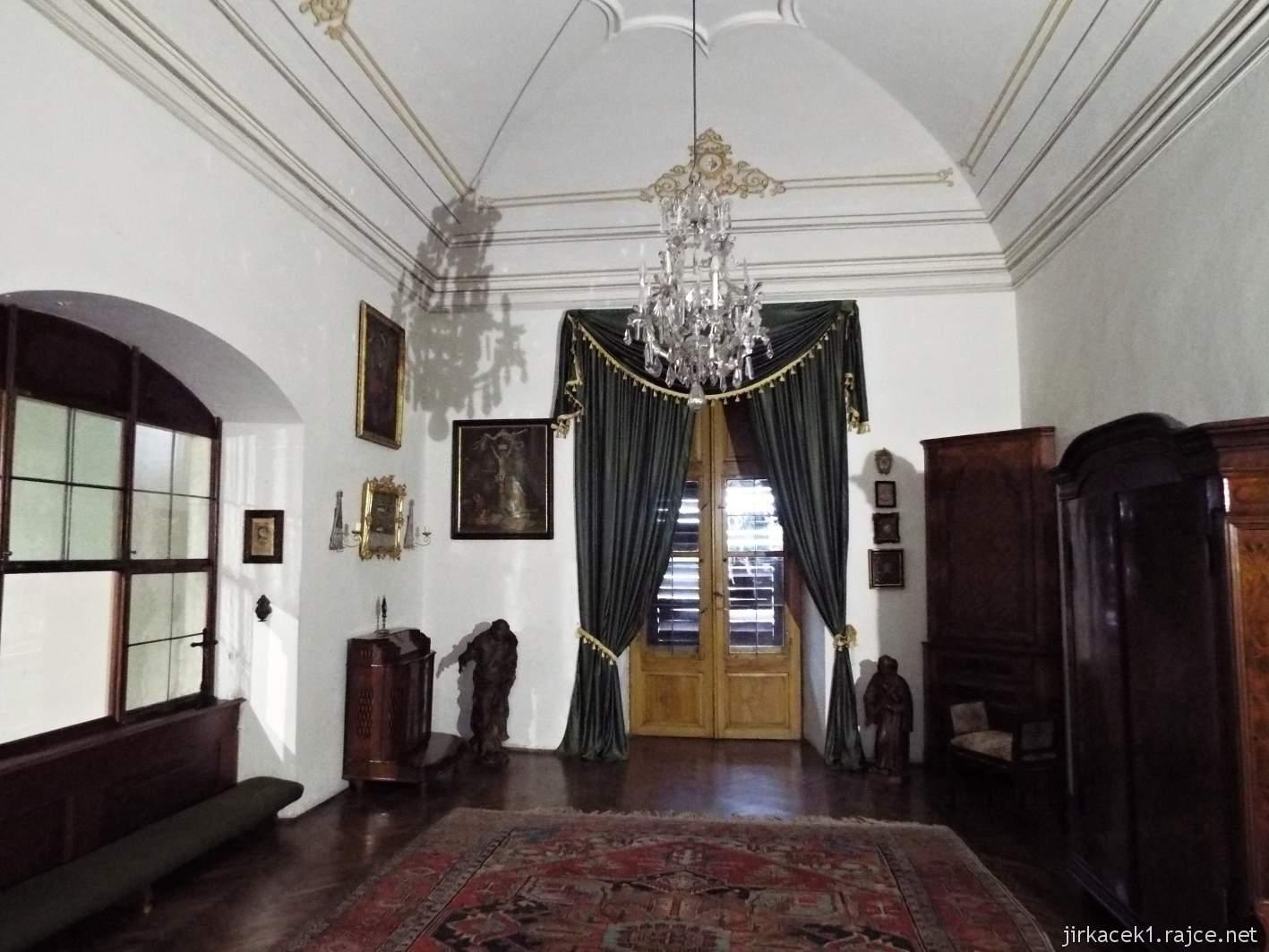 zámek Milotice 20 - interiéry - oratoř