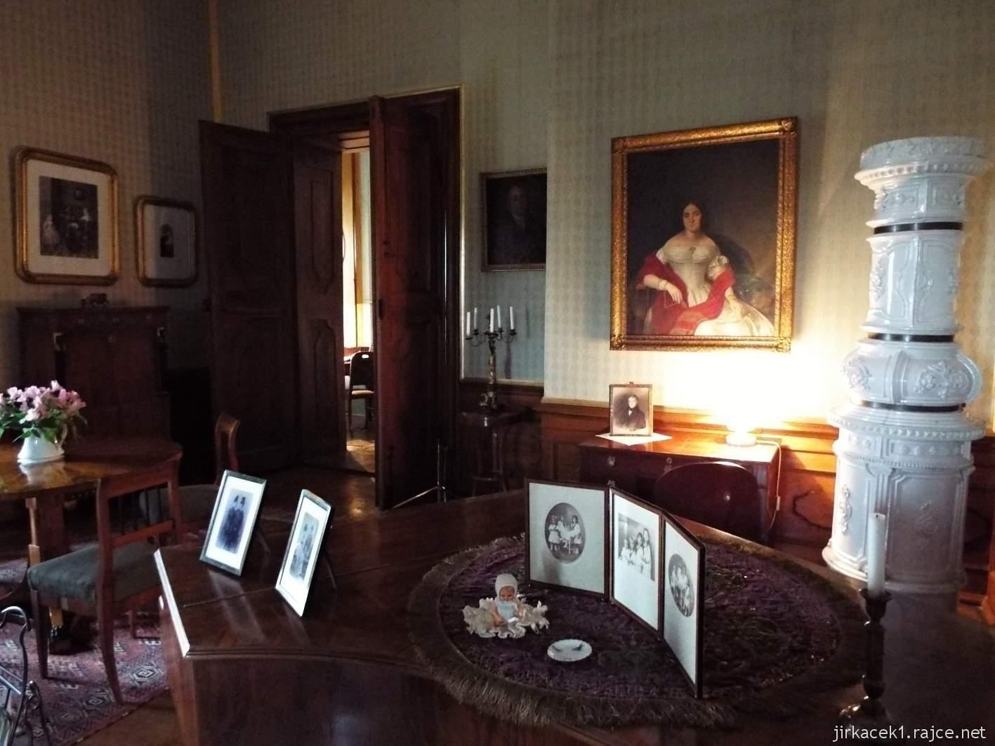 zámek Milotice 26 - interiéry - pracovna Antoinetty Seilern-Aspang