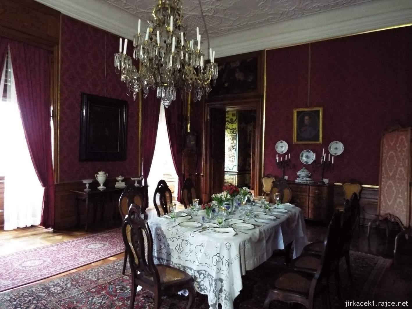 zámek Milotice 35 - interiéry - jídelna