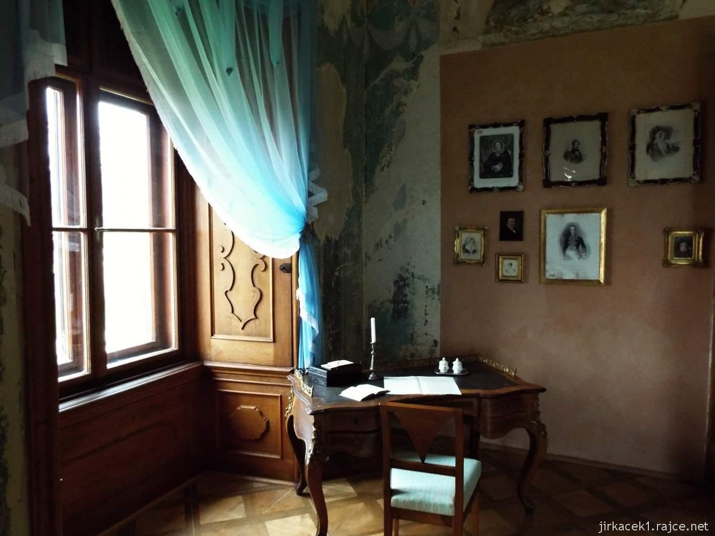 zámek Milotice 53 - interiéry - pokoj markýze Choiseula d'Alleicourta