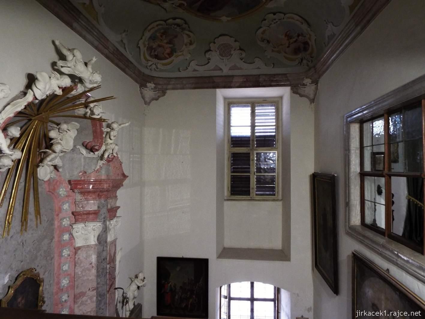 zámek Milotice 58 - interiéry - Kaple Panny Marie a sv. Jana Nepomuckého