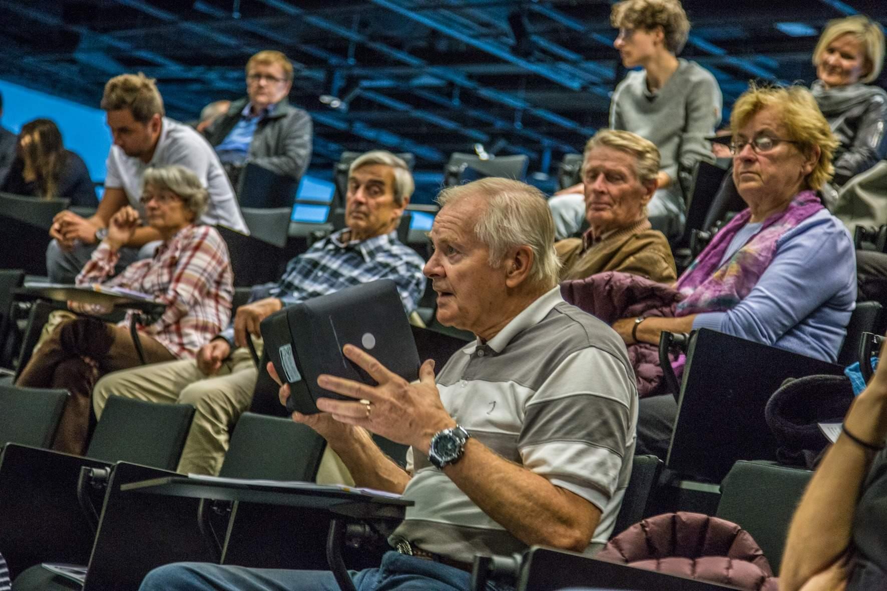 Projekt učí seniory se lépe orientovat ve světě médií. Zdroj: Archiv Transitions