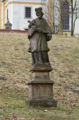 kytlický sv. jan nepomucký pochází z 2. poloviny 18. století. zajímavostí je, že socha byla v roce 1984 přemístěna do děčína a po deseti letech byla navrácena zpět na své domovské místo...