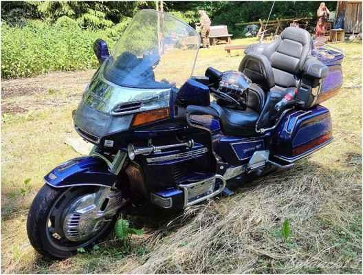 to je 1800 Honda kamaráda Rudy...
