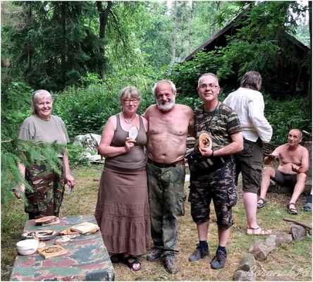 Jitka a Marek, by si také dřevo nařezali....