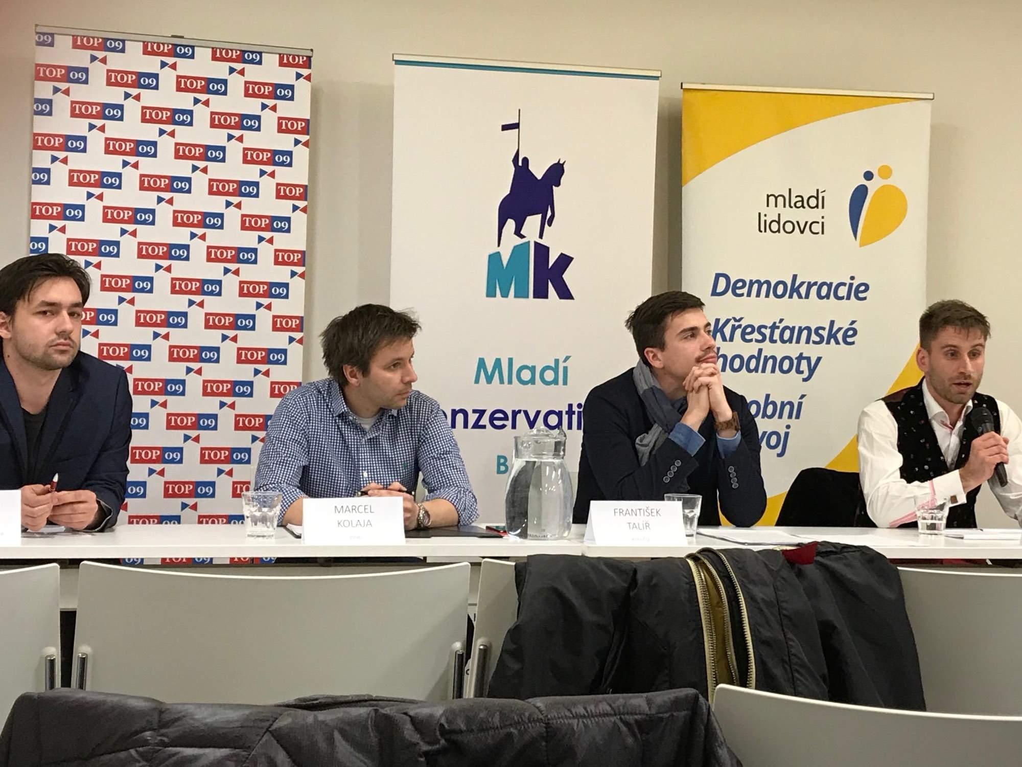 Kandidáti do Evropského parlamentu. Zleva A. Bóna, M. Kolaja, F. Talíř, T.I. Fénix. Foto: Vendula Kocandová