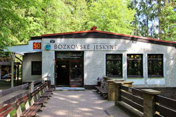 Bozkovské, dolomitové jeskyně, byly objeveny v roce 1947. Po odčerpání větší části spodní vody, byly objeveny další jeskynní prostory. Ke zpřístupnění jeskyní došlo v letech 1965 - 1968. Zdejší krápníková výzdoba vzniká mnohem pomaleji, v dolomitech je méně kalcitu, než v čistých vápencích. Vrcholem prohlídky je jezerní dóm, s největším českým, podzemním jezerem, s průzračnou vodou. Hladina vody v podzemním jezírku je udržována na 1,7 metru. V roce 1999 byly jeskyně prohlášeny Národní přírodní památkou.