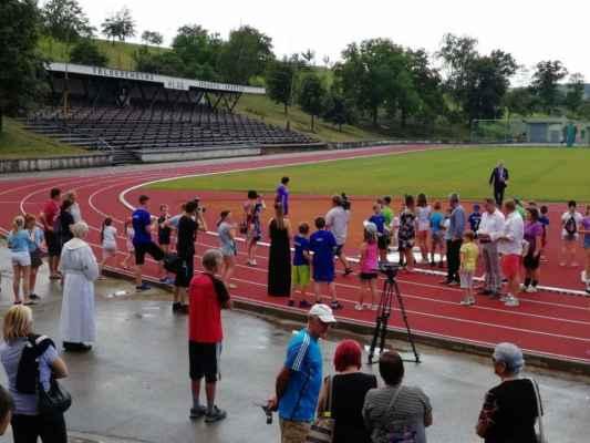 Slavnostní otevření nového městského stadionu v Hluku