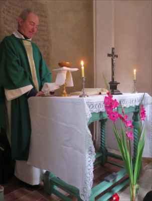 8:00 hod. - mši svatou v kapli sloužil svatomatějský farář P. Matúš Kocian