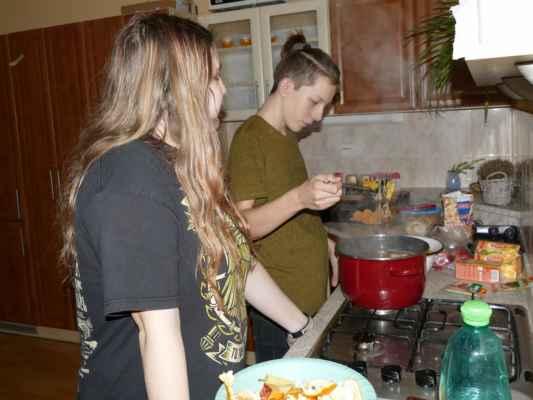 9.A připravuje vánoční čaj