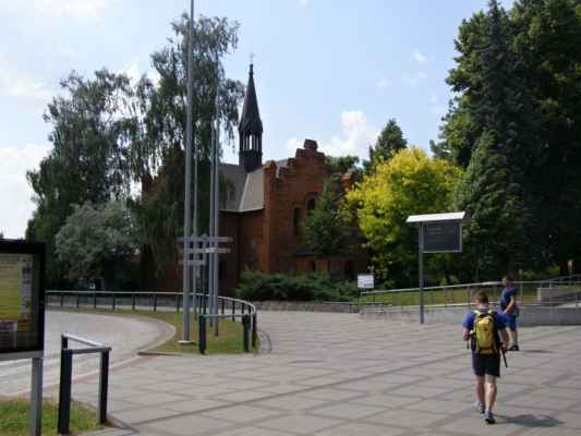 Hlučín - Evangelický kostel - pohled z autobusového nádraží