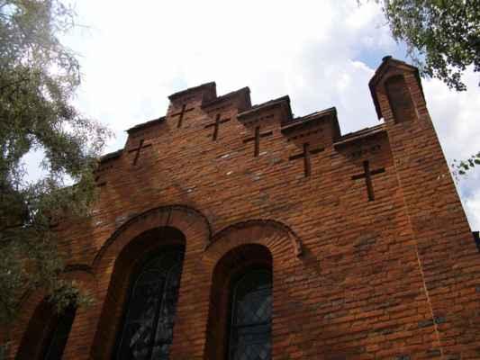 Hlučín - Evangelický kostel - hřeben střechy