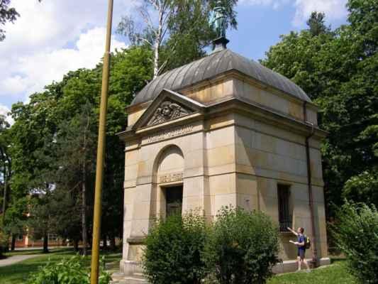 Hlučín - hrobka rodiny Wetekampovy