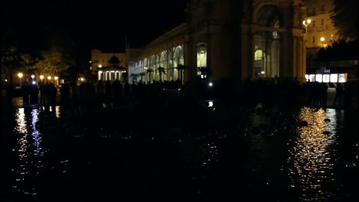 Zpívající fontána v Mariánských Lázních, večerní nasnímání skladba Hudba pro fontánu od Petra Hapky.