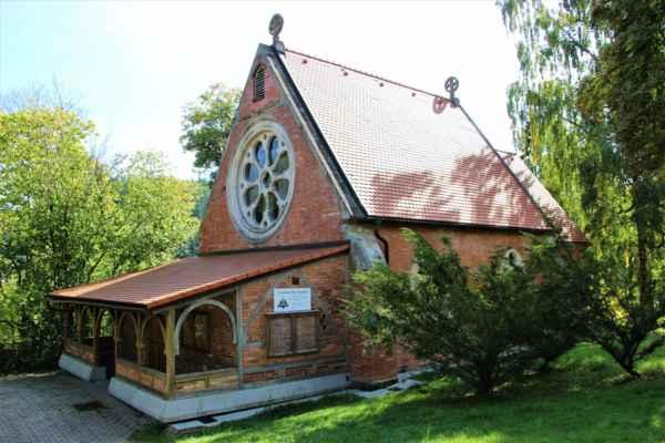 Anglikánský kostel byl postaven roku 1879.