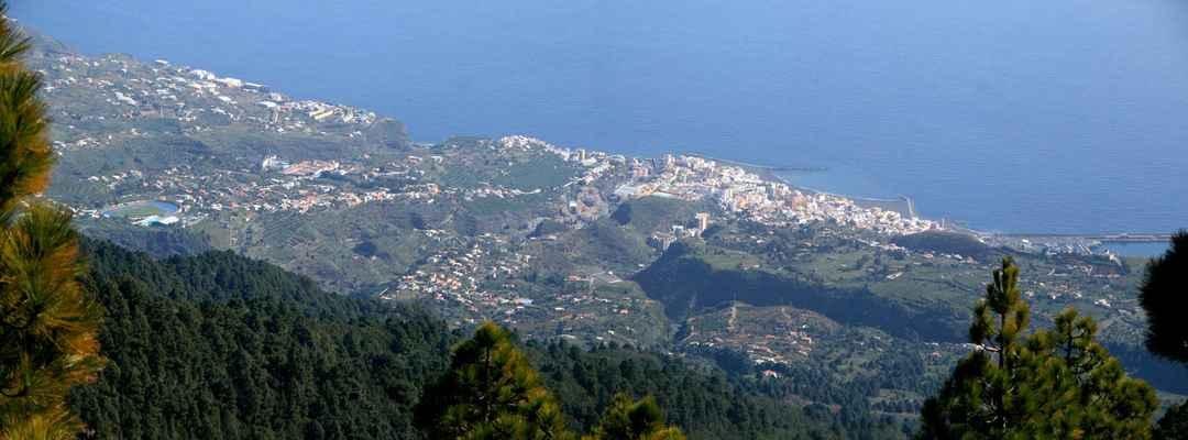 Takhle vypadá Santa Cruz de La Palma z výšky 2 km...