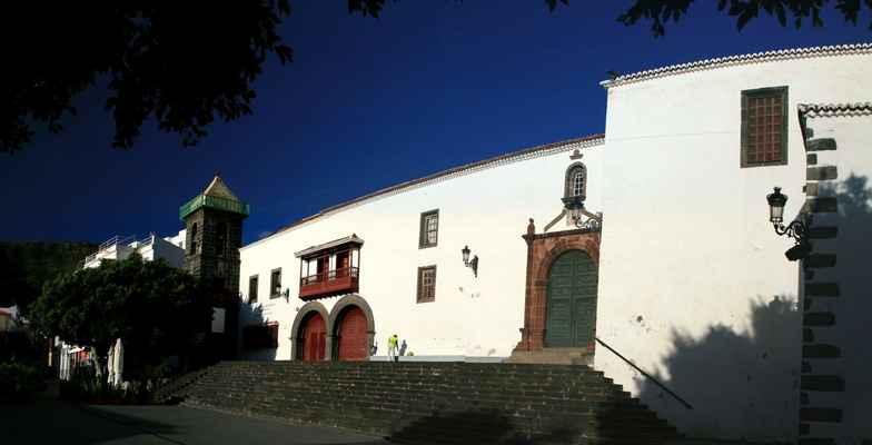...Iglesia de Santo Domingo...