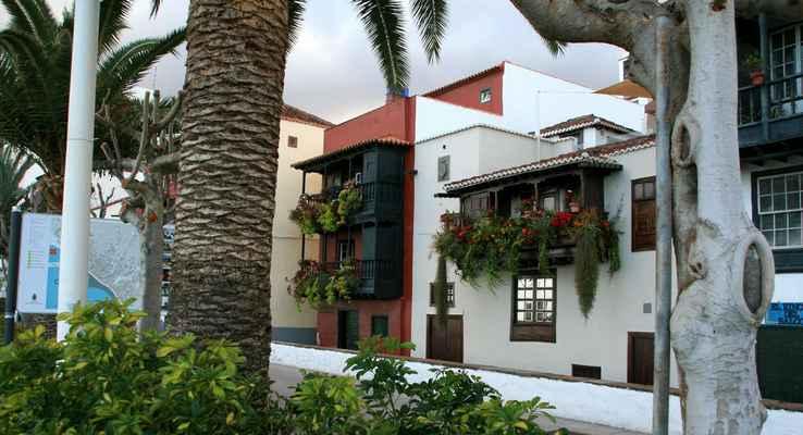 ...na Avenida Maritima je pak čtvť zvaná Los Balkónes típicos...