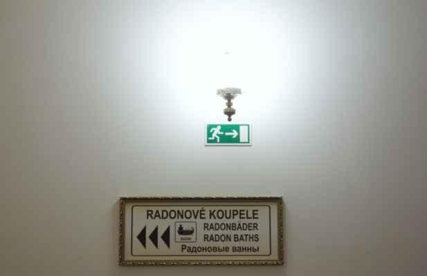 A nakonec to hlavní, proč se do Jáchymových lázní jezdí - radonové koupele.