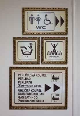 Ale zpět k perličkové koupeli.
