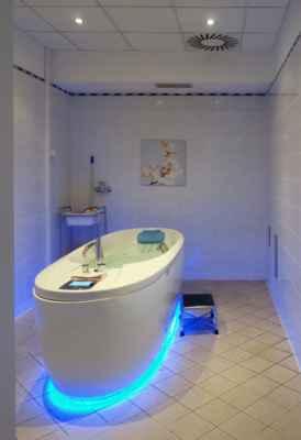 Vana na perličkovou koupel - 10 minut. Musím říct, že tohle byla velmi příjemná procedura :o)))