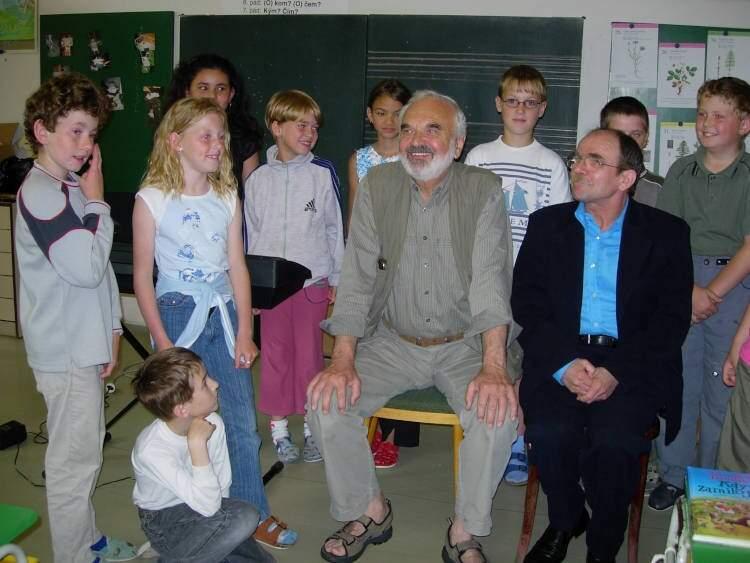 Návštěva pánů Zdeňka Svěráka aJaroslava Uhlíře na naší škole